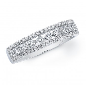 Elegant diamond band