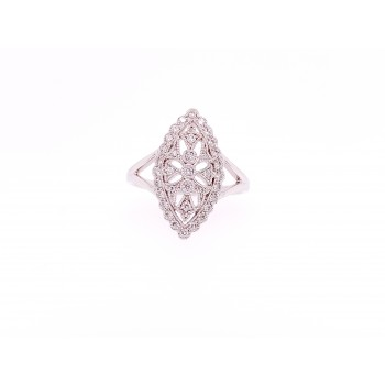 18k Vintage Style DIamond Ring